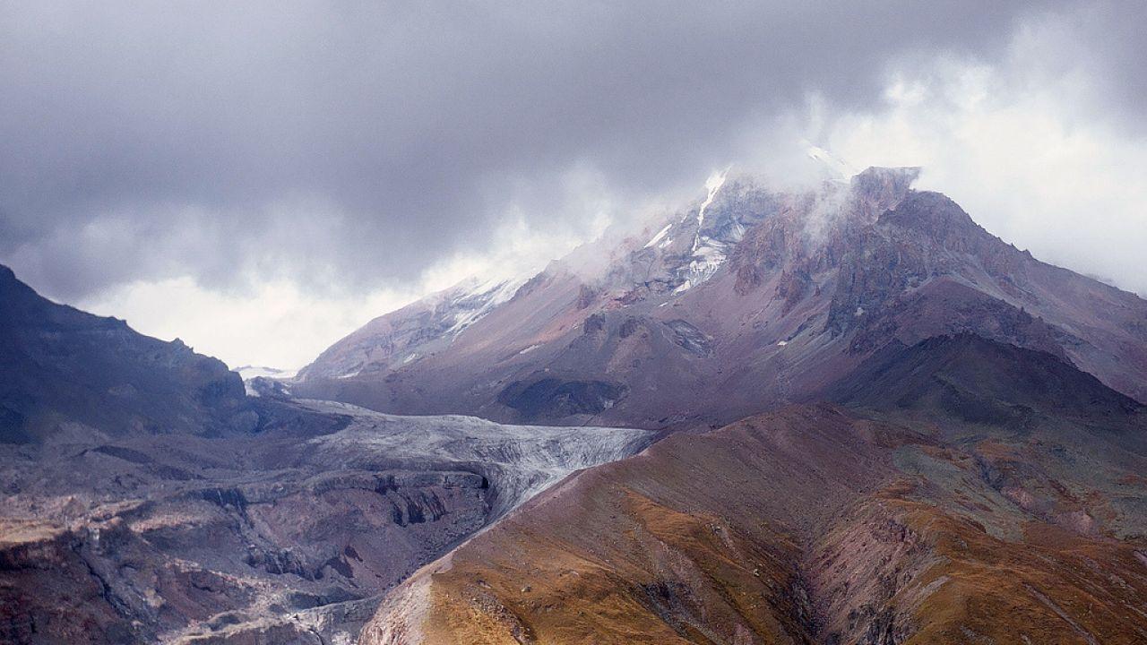 Szczyt wznosi się na wysokość 5033 m n.p.m. (fot. flickr.com/Lera Shvets)