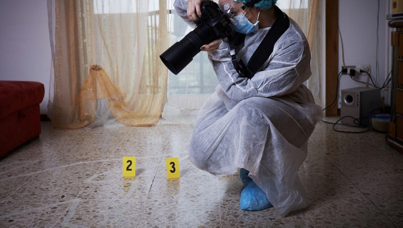 Para lesbijek została oskarżona m.in. o morderstwo, zbezczeszczenie ciała i oszustwa komputerowe (fot. Shutterstock/Stocked House Studio)