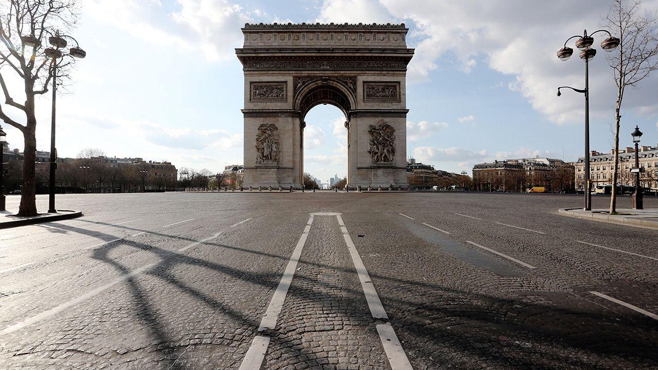 Rząd we Francji zakazał przeprowadzek, aby ograniczyć rozprzestrzenianie się koronawirusa (fot. Xavier Laine/Getty Images)