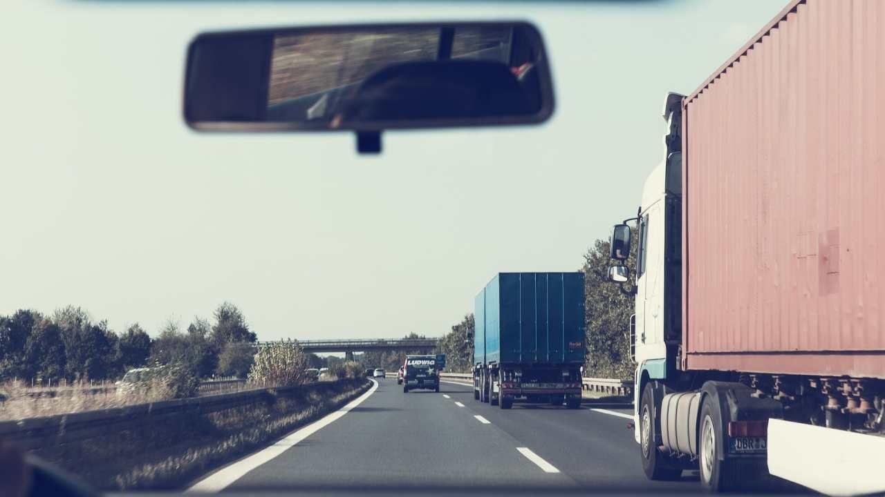W październiku ub. r. również Polska złożyła skargę do TSUE na przepisy unijnego pakietu mobilności (fot. Piaxabay/markusspiske)