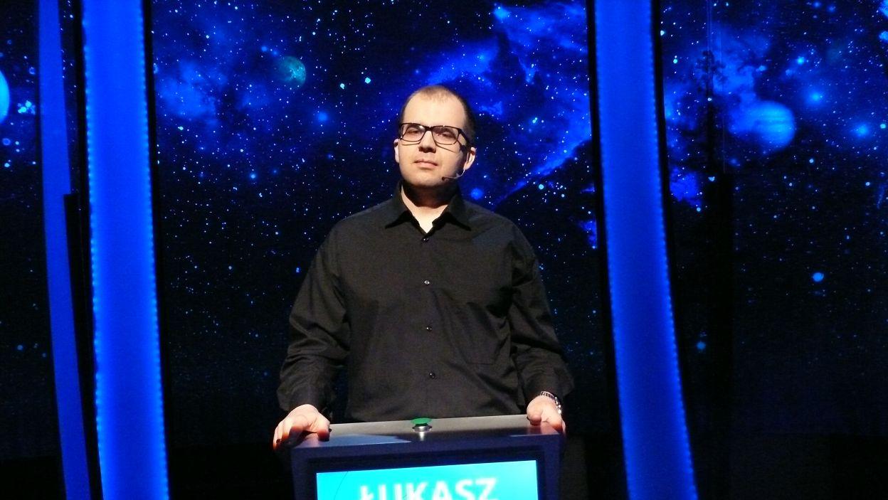Pan Łukasz Kowalczyk najtrafniej odpowiadał na pytania i wygrał odcinek
