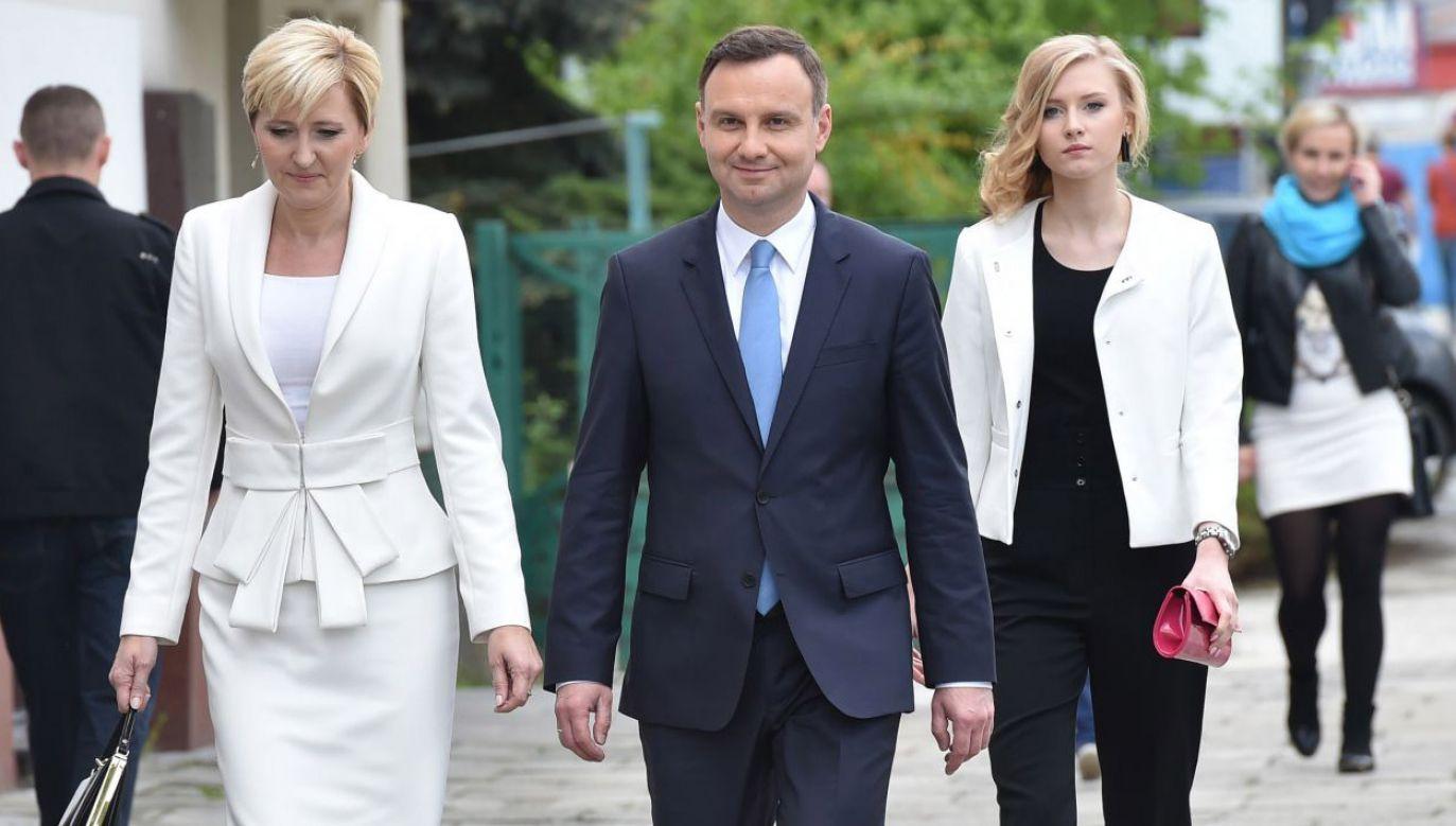 Andrzej Duda i Agata Kornhauser-Duda napisali, że rola ojca wymaga życiowej mądrości i poświęcenia (fot. arch. PAP/Jacek Bednarczyk)