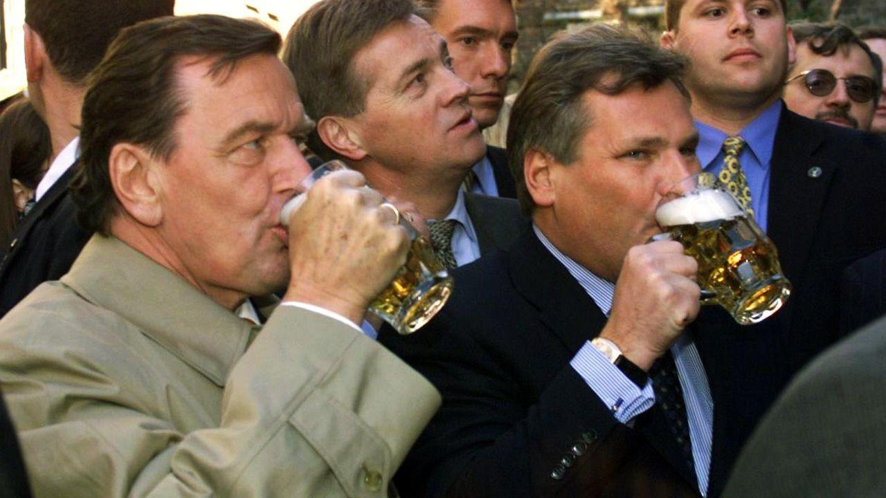 – Nie powinien w ogóle pić żadnych alkoholi – powiedziała Jolanta Kwaśniewska o mężu  (fot. arch. PAP/EPA/JANEK SKARZYNSKI)
