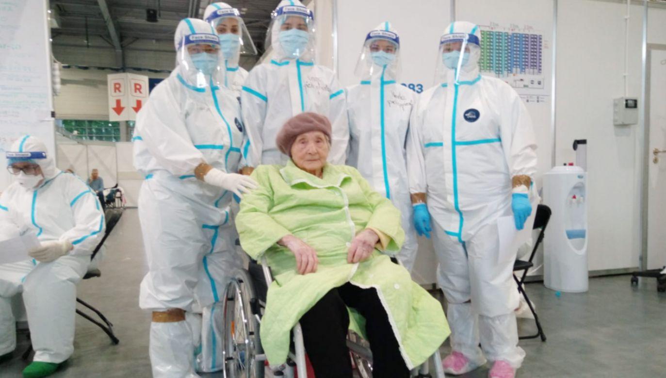 To najstarsza wyleczona pacjentka szpitala (fot. Facebook/Szpital Kliniczny Przemienienia Pańskiego)