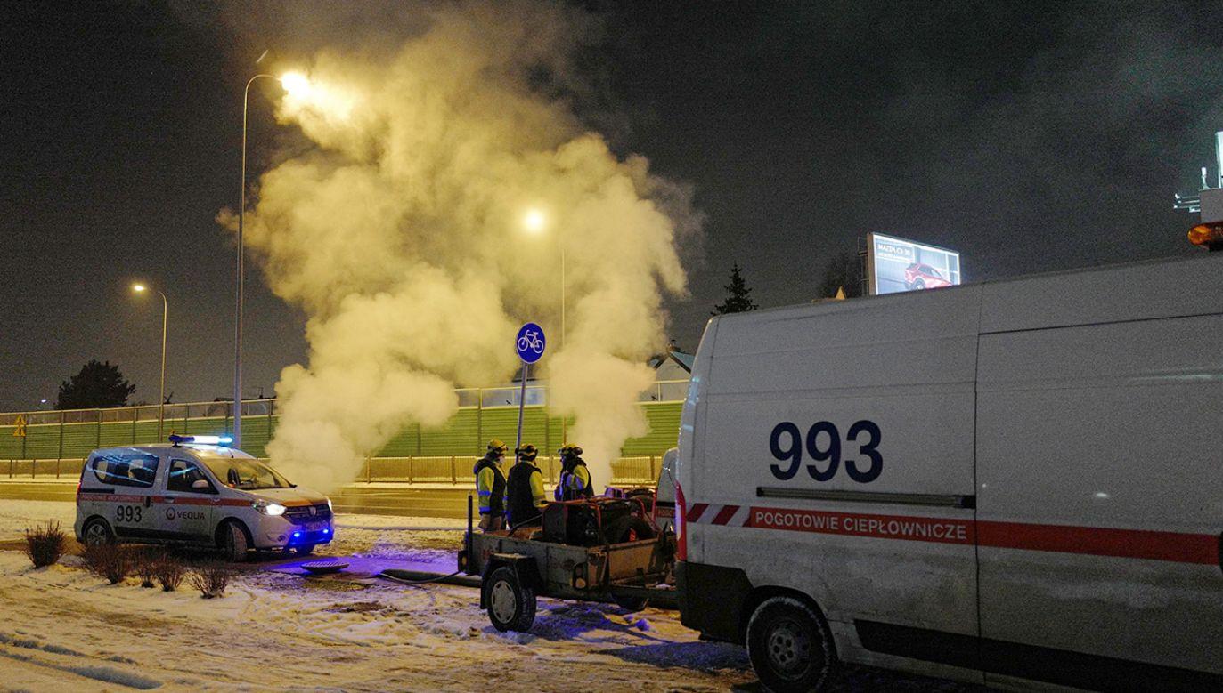 Bez dostaw ciepła jest 19 budynków (fot. PAP/Mateusz Marek)