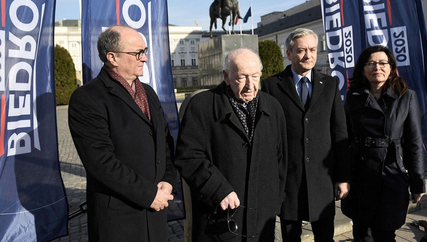 Lewica łączy pokolenia - Roberta Biedronia i Wojciecha Jaruzelskiego (fot. PAP/Radek Pietruszka)