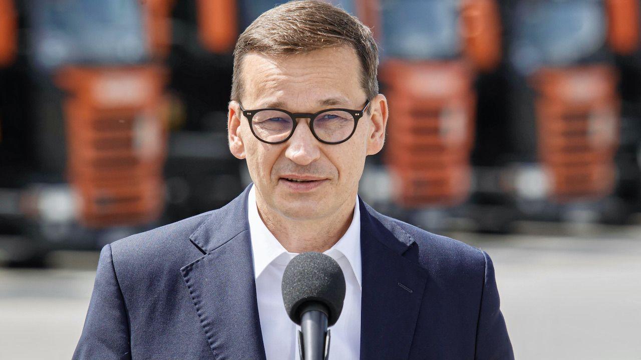 Mateusz Morawiecki zaznaczył, że będzie działać stanowczo wobec przestępstw w kwestii szczepień (fot. PAP/Aleksander Koźmiński)
