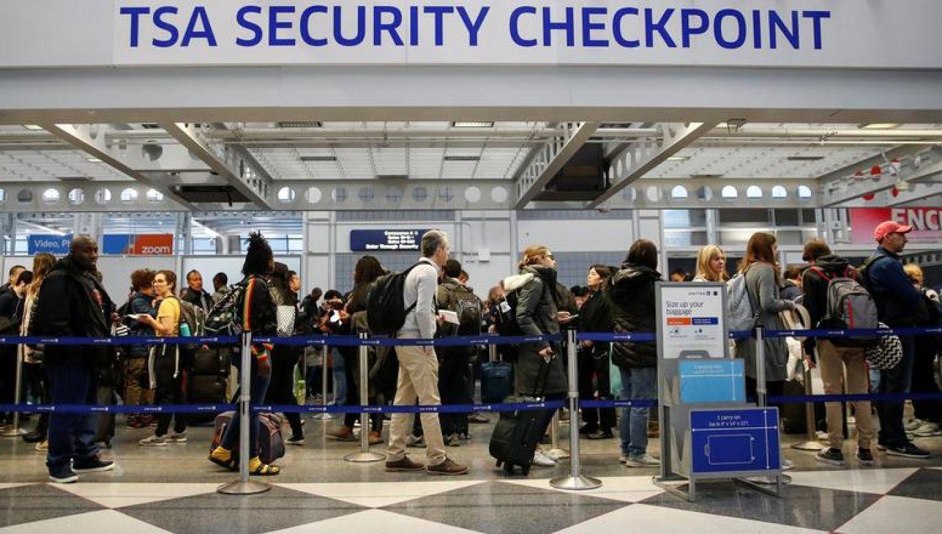 Za złamanie tych przepisów grozi aresztowanie i grzywna do 13 tysięcy dolarów (fot. REUTERS/Kamil Krzaczynski)