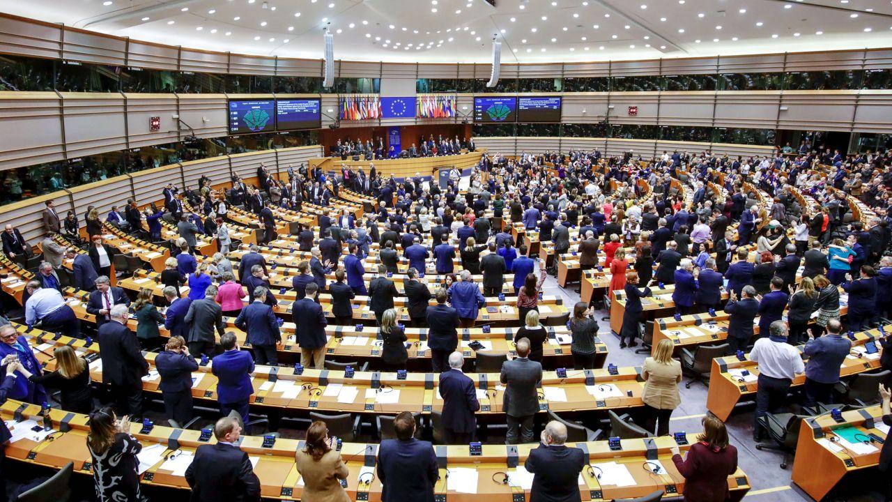 Czy Unia Europejska równo traktuje państwa członkowskie? (fot. Olivier Matthys/Bloomberg via Getty Images)