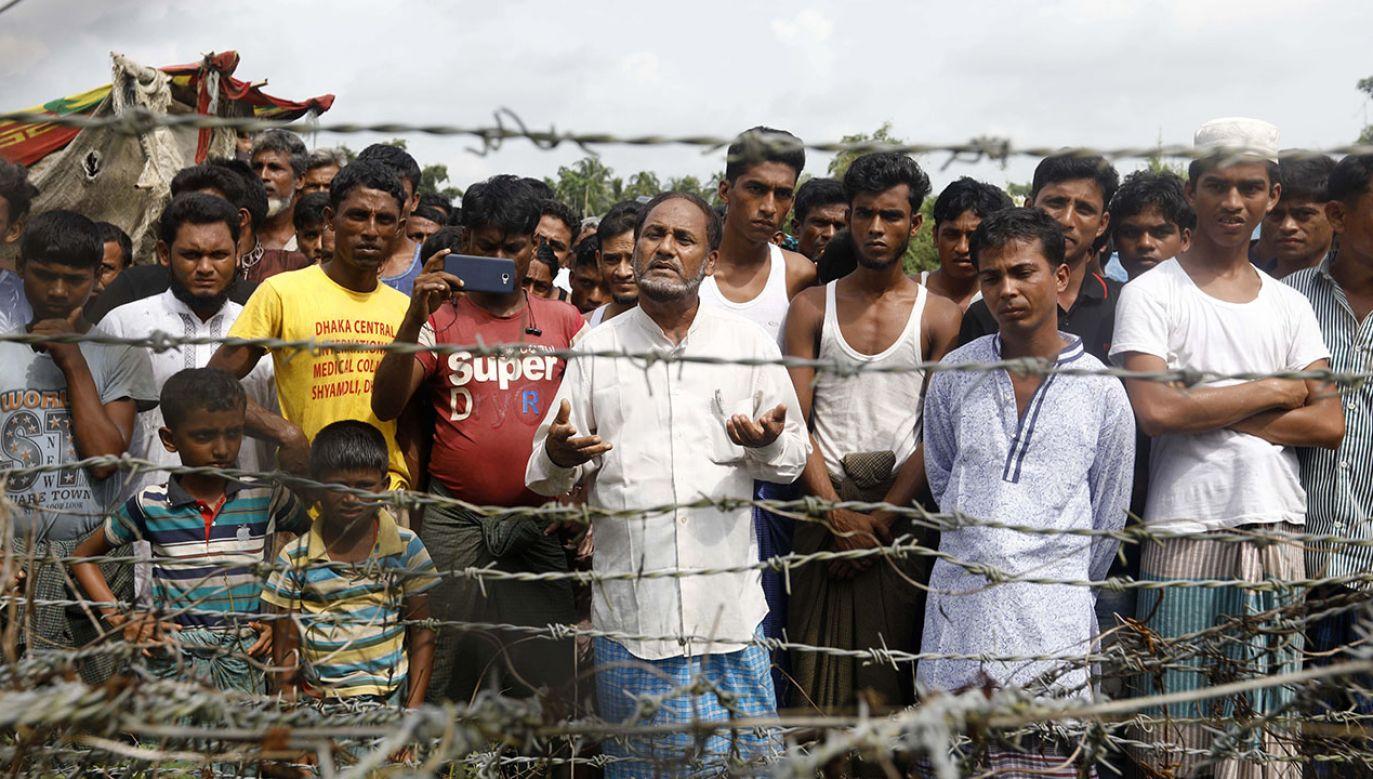Według śledczy ONZ birmańska armia miała zamiar dokonania ludobójstwa na mniejszości Rohingja (fot. PAP/EPA/NYEIN CHAN NAING)
