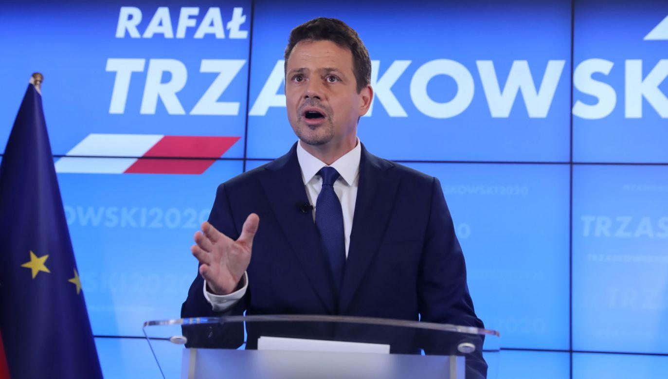 Wymyślono ad hoc na potrzeby kampanii, że Rafał Trzaskowski jest zwolennikiem jakiejś wyimaginowanej nowej solidarności (fot. PAP/Tomasz Gzell)
