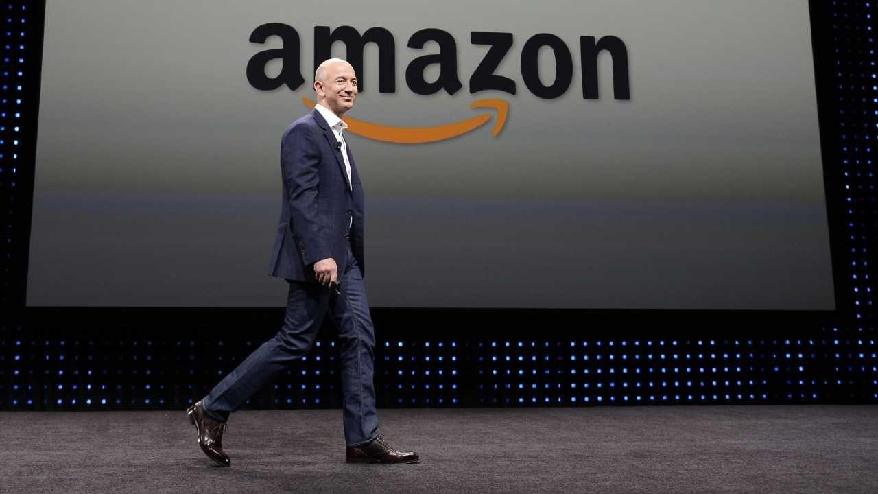 Jeff Bezos założył Amazon w 1994 r. (fot. PAP/EPA/MICHAEL NELSON)