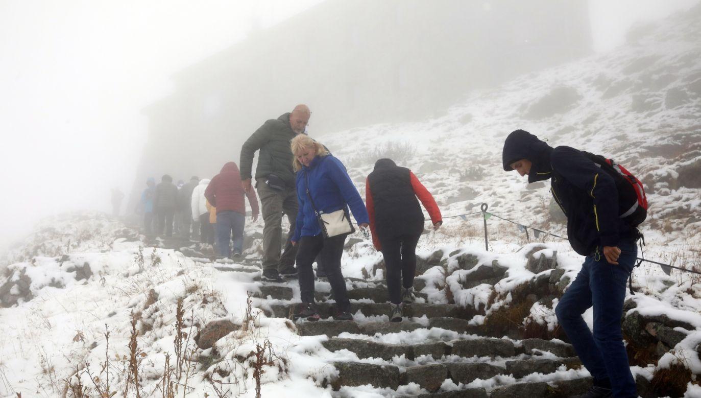 Warunki turystyczne są niekorzystne (fot. PAP/Grzegorz Momot)