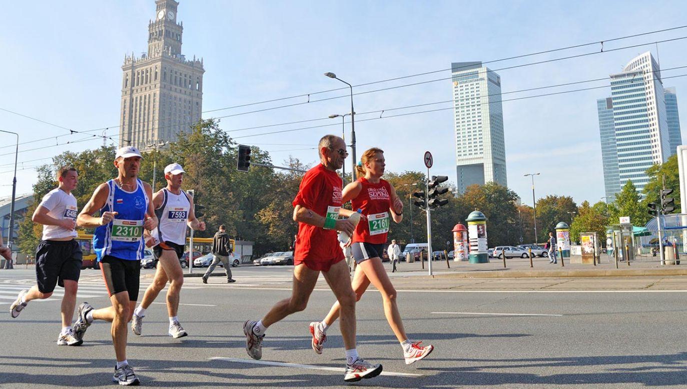 Maraton Warszawski to najbardziej prestiżowy bieg długodystansowy w Polsce (fot. Shutterstock/Stanislaw Tokarski)