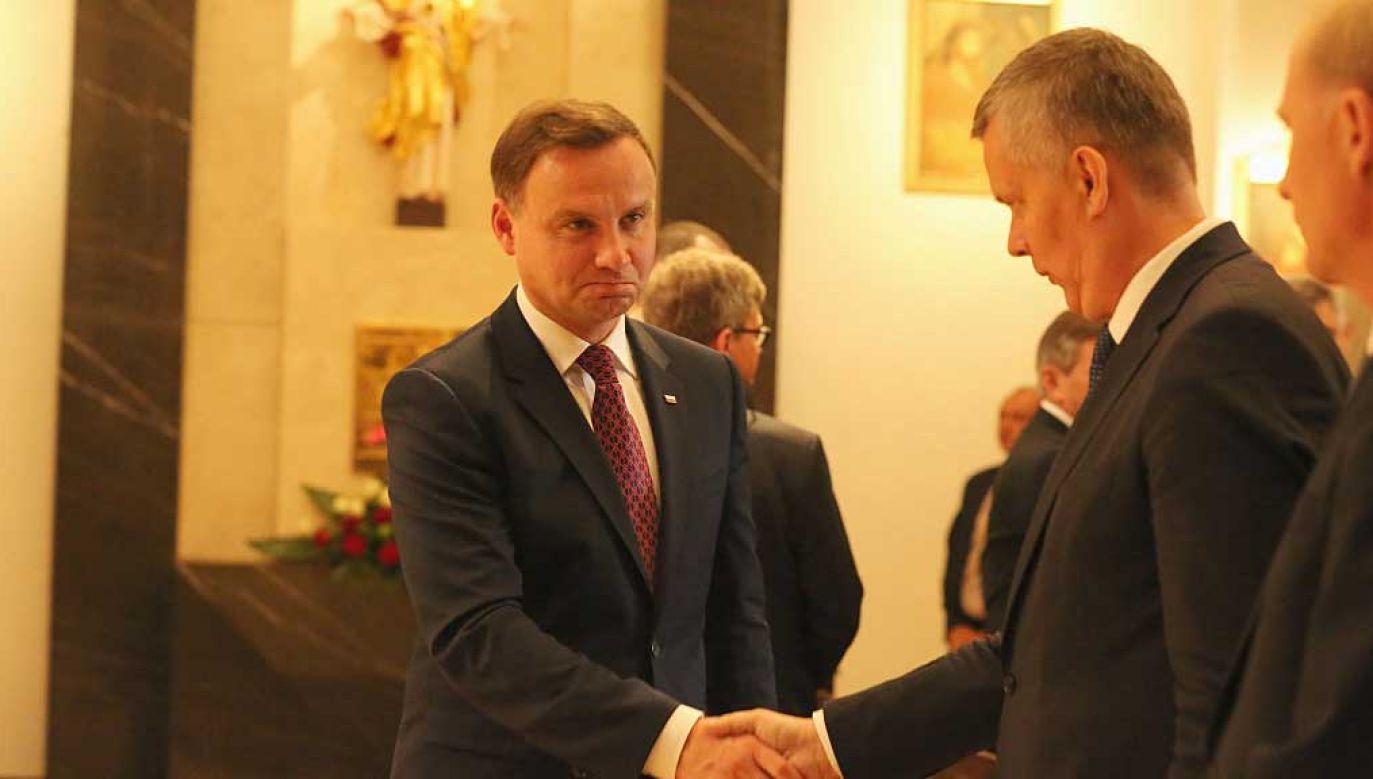 Andrzej Duda i Tomasz Siemoniak (ówczesny szef MON) w sierpniu 2015 roku (fot. Anna Ferensowicz/Pacific Press/LightRocket via Getty Images)