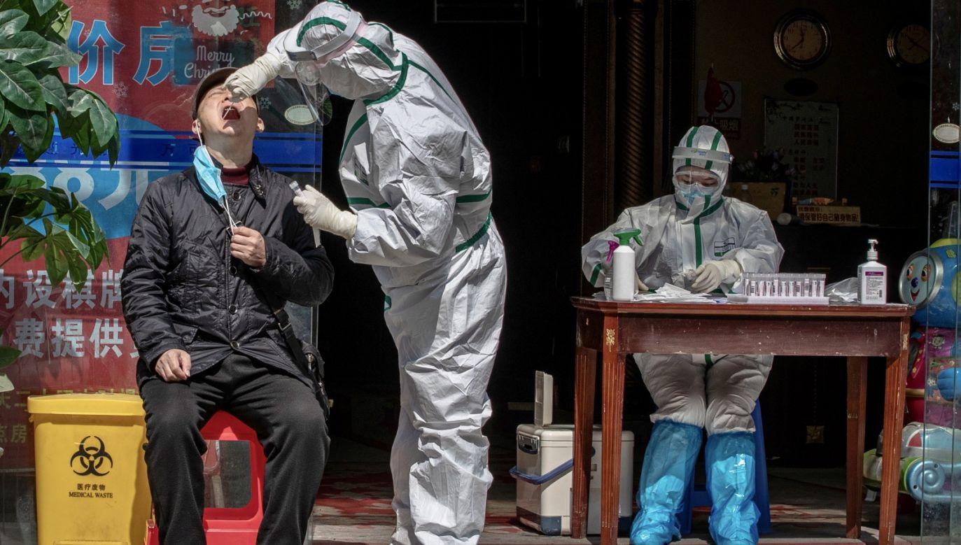 Sekretarz stanu USA Mike Pompeo wzywał wcześniej Chiny i inne państwa do otwartego, przejrzystego informowania o epidemii (fot. PAP/EPA/ROMAN PILIPEY)