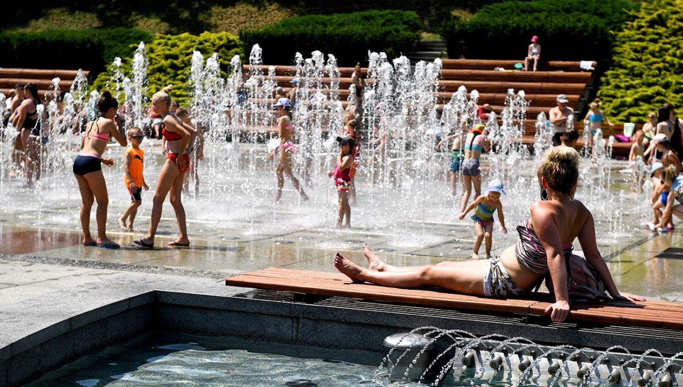 Tak gorąco jeszcze w tym roku nie było (fot. PAP/Darek Delmanowicz)