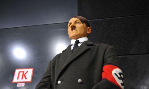 Figura woskowa Adolfa Hitlera na wystawie Waxwork w Astanie, w euroazjatyckim Kazachstanie, 14 lipca 2016 r. Fot. Aliia Raimbekova / Anadolu Agency / Getty Images