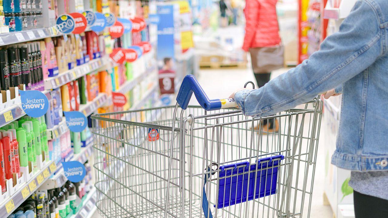 Za złamanie zakazu handlu w niedziele grozi kara (fot. Shutterstock/WDnet Creation)
