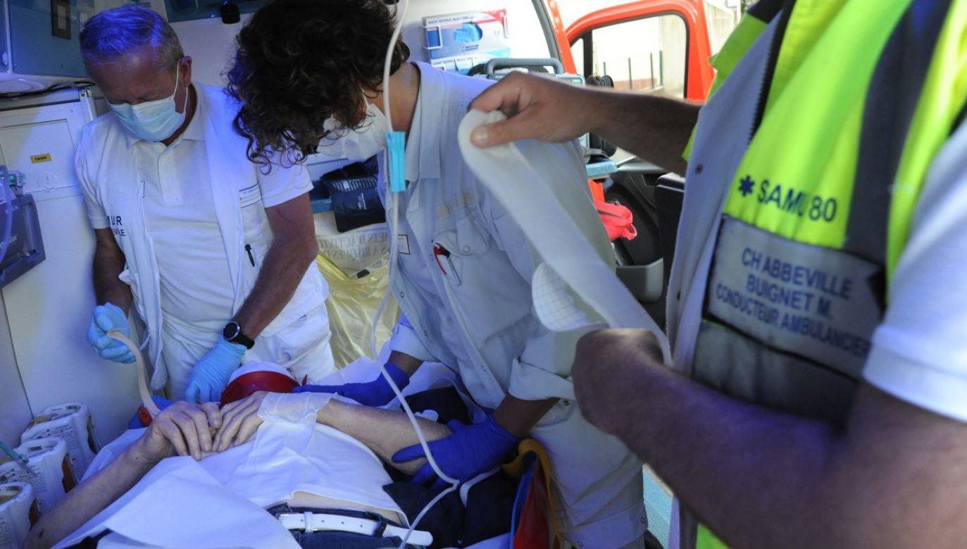 Dotąd we Francji odnotowano 453 763 przypadki zakażenia koronawirusem (fot. BSIP/Education Images/Universal Images Group via Getty Images)
