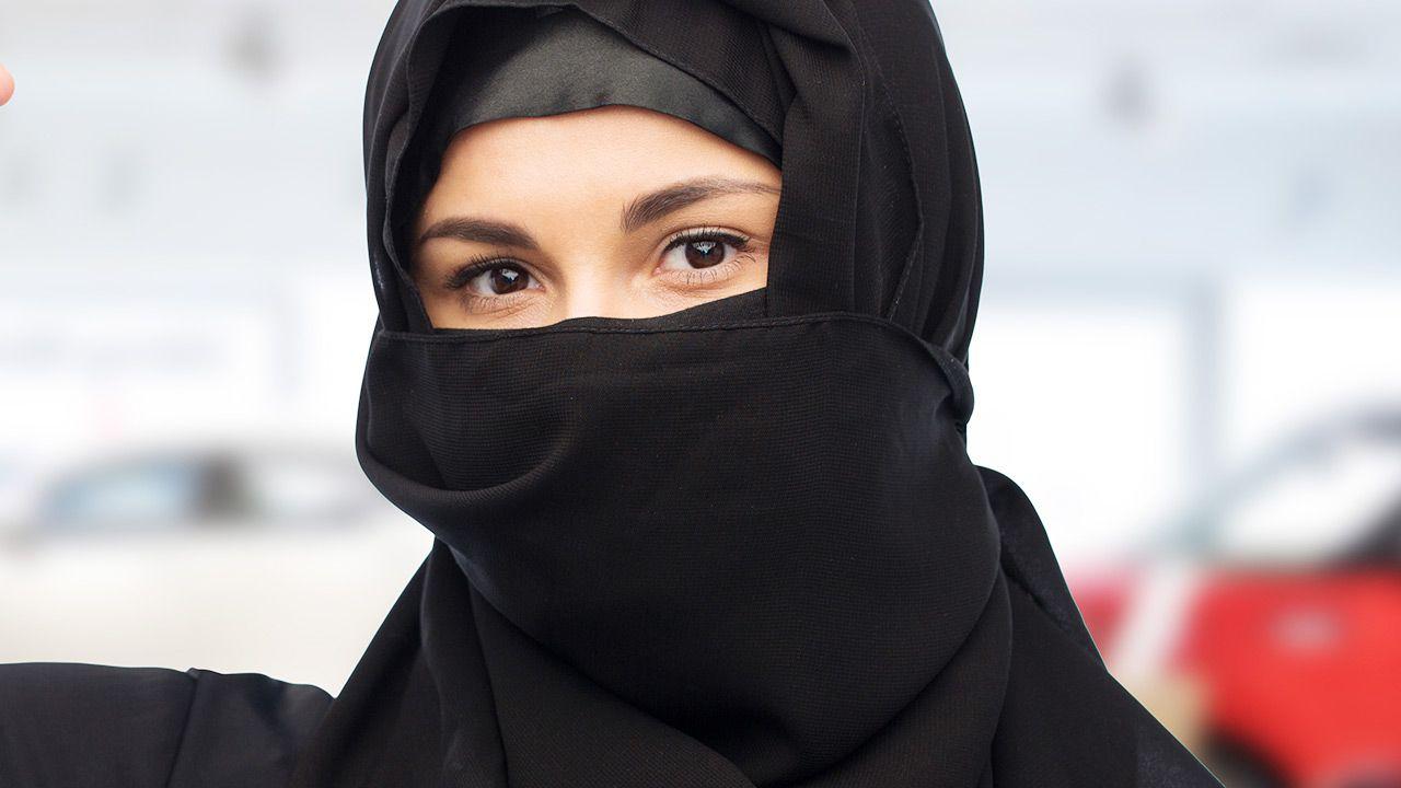 Kampanię przeciwko zakazowi prowadził szwajcarski rząd (fot. Shutterstock/Syda Productions)