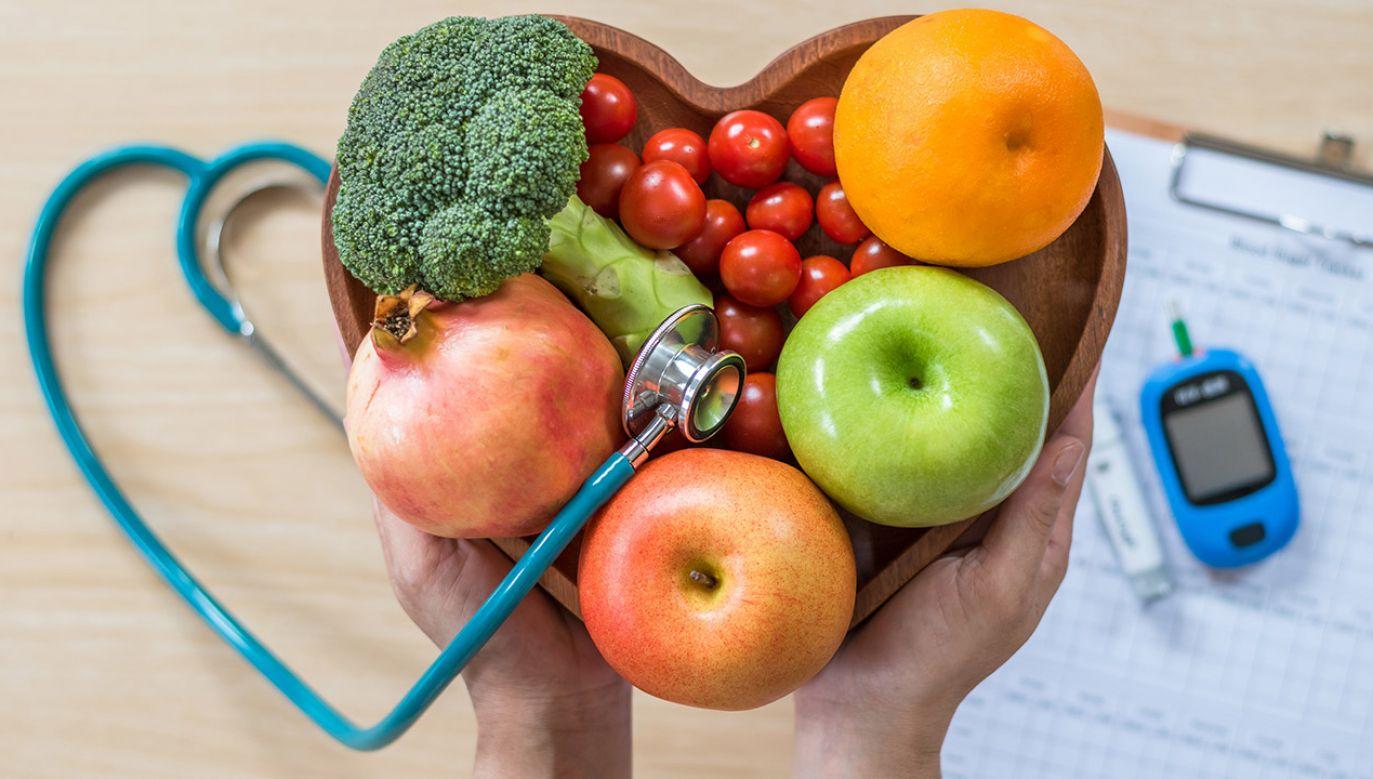 W raporcie podano, że w 2018 r. liczba dorosłych, którym udzielono świadczenia z rozpoznaniem cukrzycy (głównym lub współistniejącym) wyniosła 2,18 mln (fot. Shutterstock/Chinnapong)