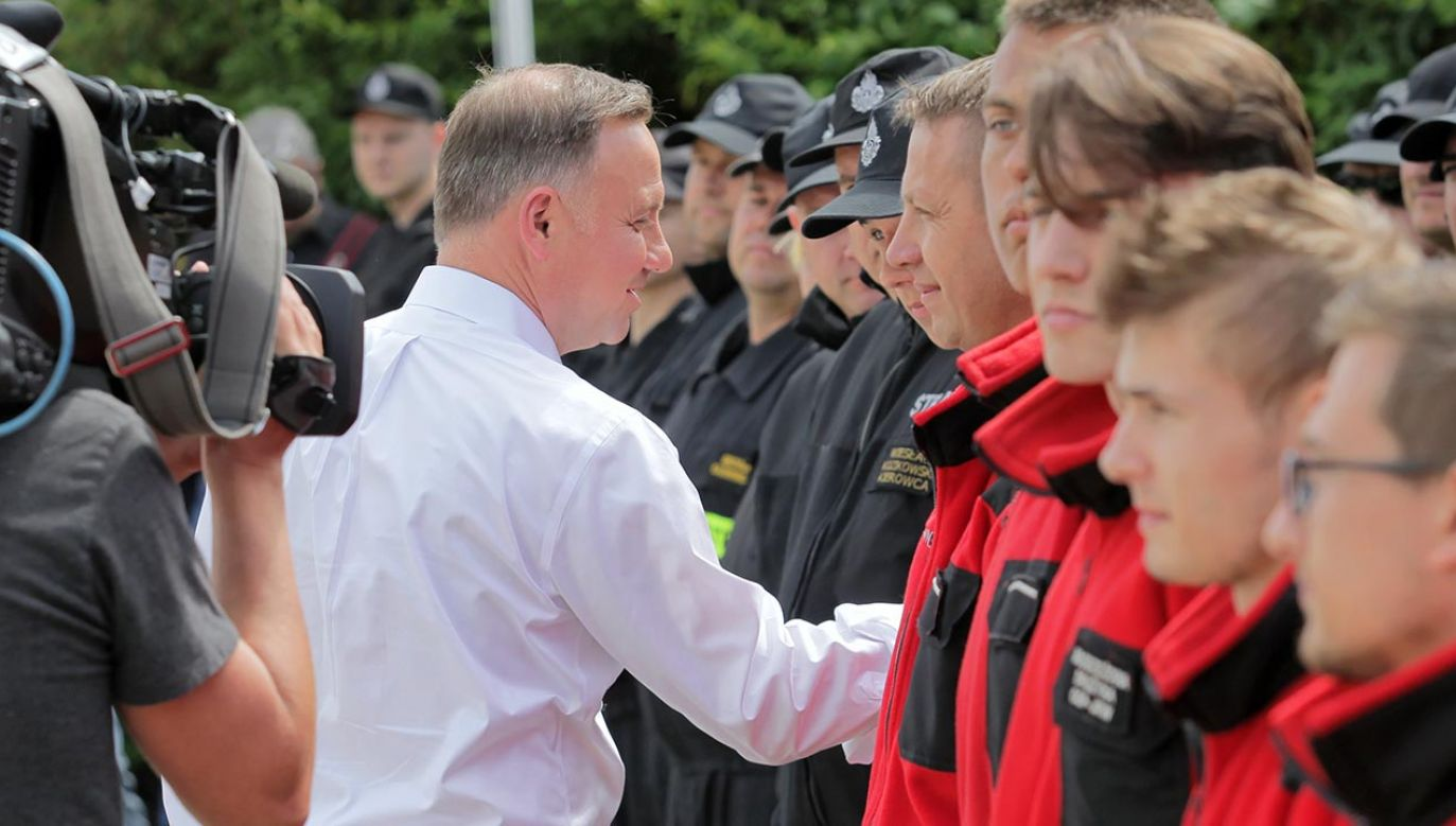 Prezydent w Szeligach (fot. PAP/Tomasz Waszczuk)