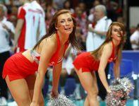 Cheerleaderki także miały swoje pięć minut (fot. Cezary Korycki SPORT.TVP.PL)
