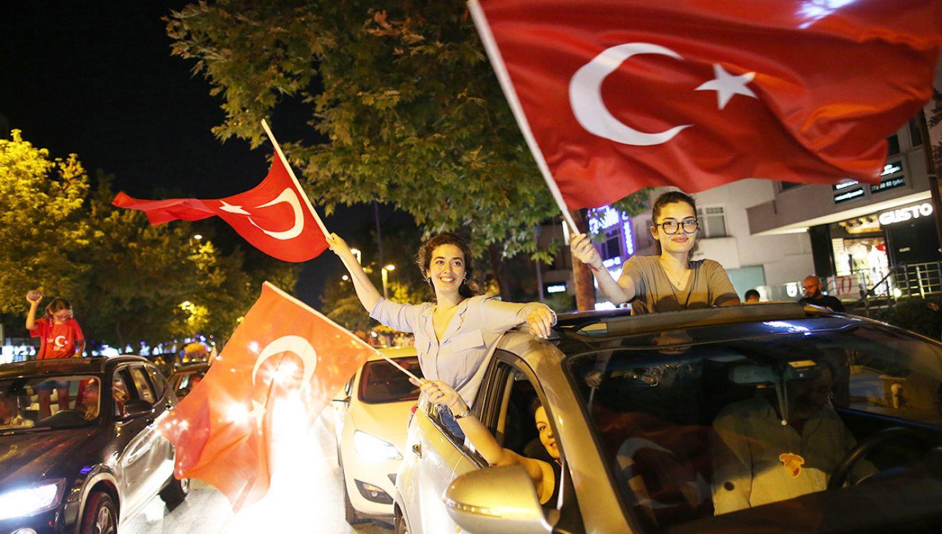 Frekwencja w wyborach w Stambule wyniosła 88 proc. (fot. PAP/EPA/ERDEM SAHIN)