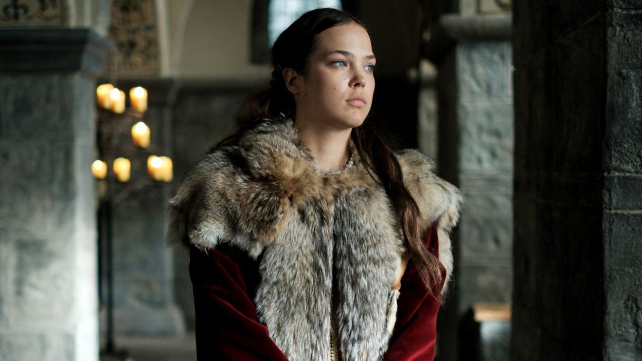 Jadwida jest przerażona plotkami i boi się, że dotrą do Jagiełły, który może dać im wiarę (fot. TVP)