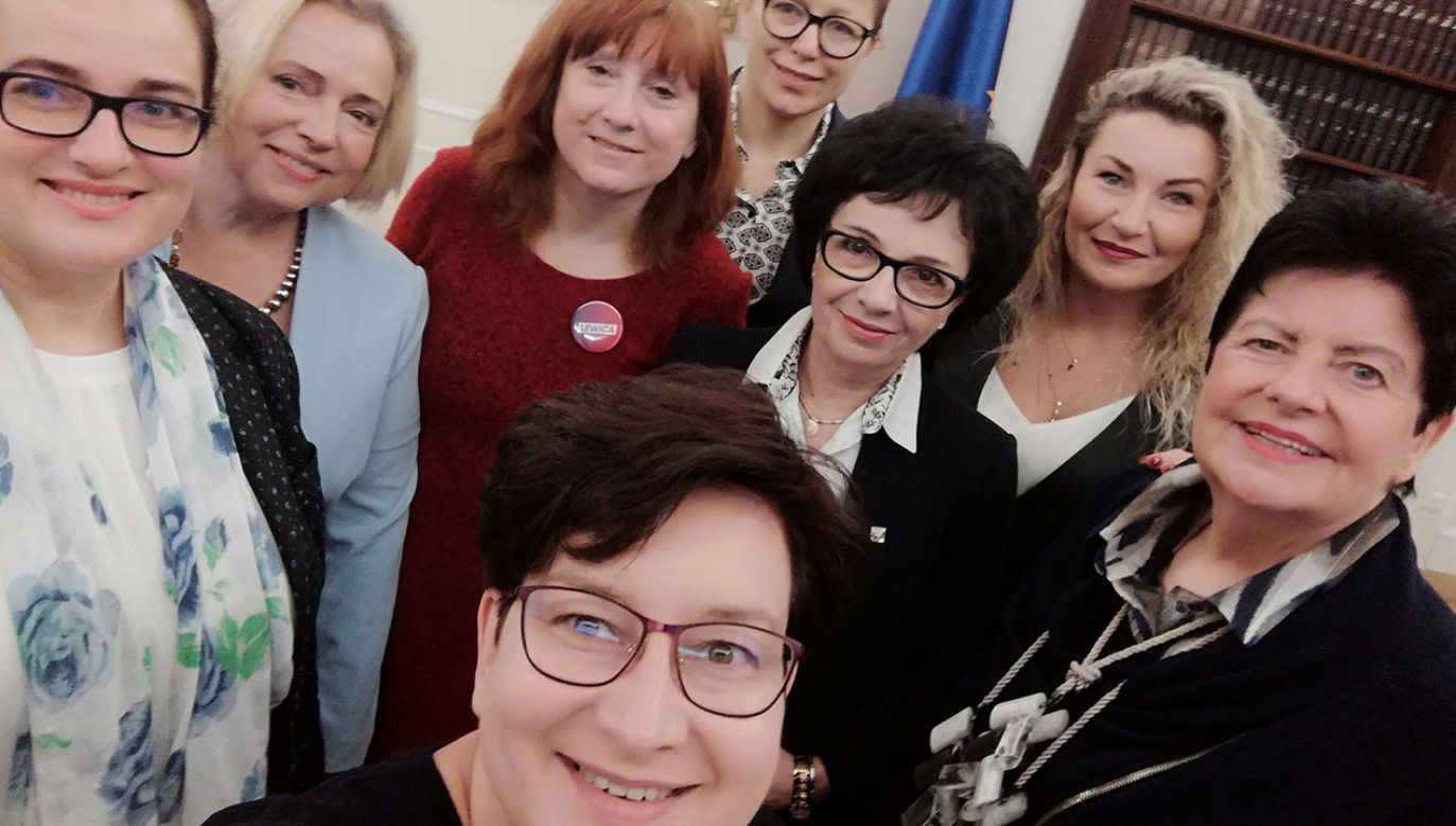 Posłanki Lewicy spotkały się z marszałek Sejmu Elżbietą Witek ws. żeńskich końcówek. (fot. tt/@AnitaKDZG)