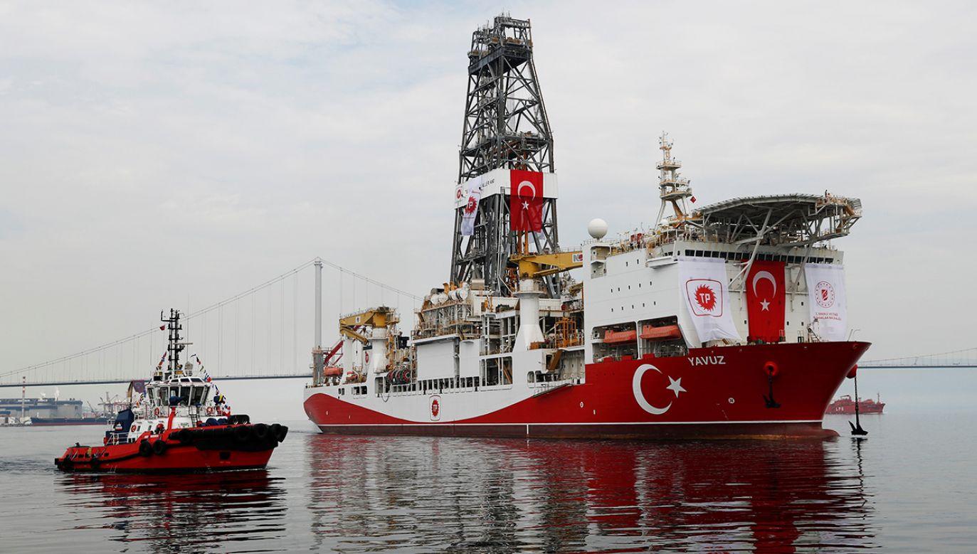 Turcja prowadzi odwierty w poszukiwaniu podmorskich złóż u wybrzeży Cypru. UE chce nałożyć sankcje (fot. REUTERS/Murad Sezer)