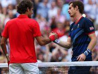 Murray i Federer dziękują sobie po finale (fot. Getty Images)