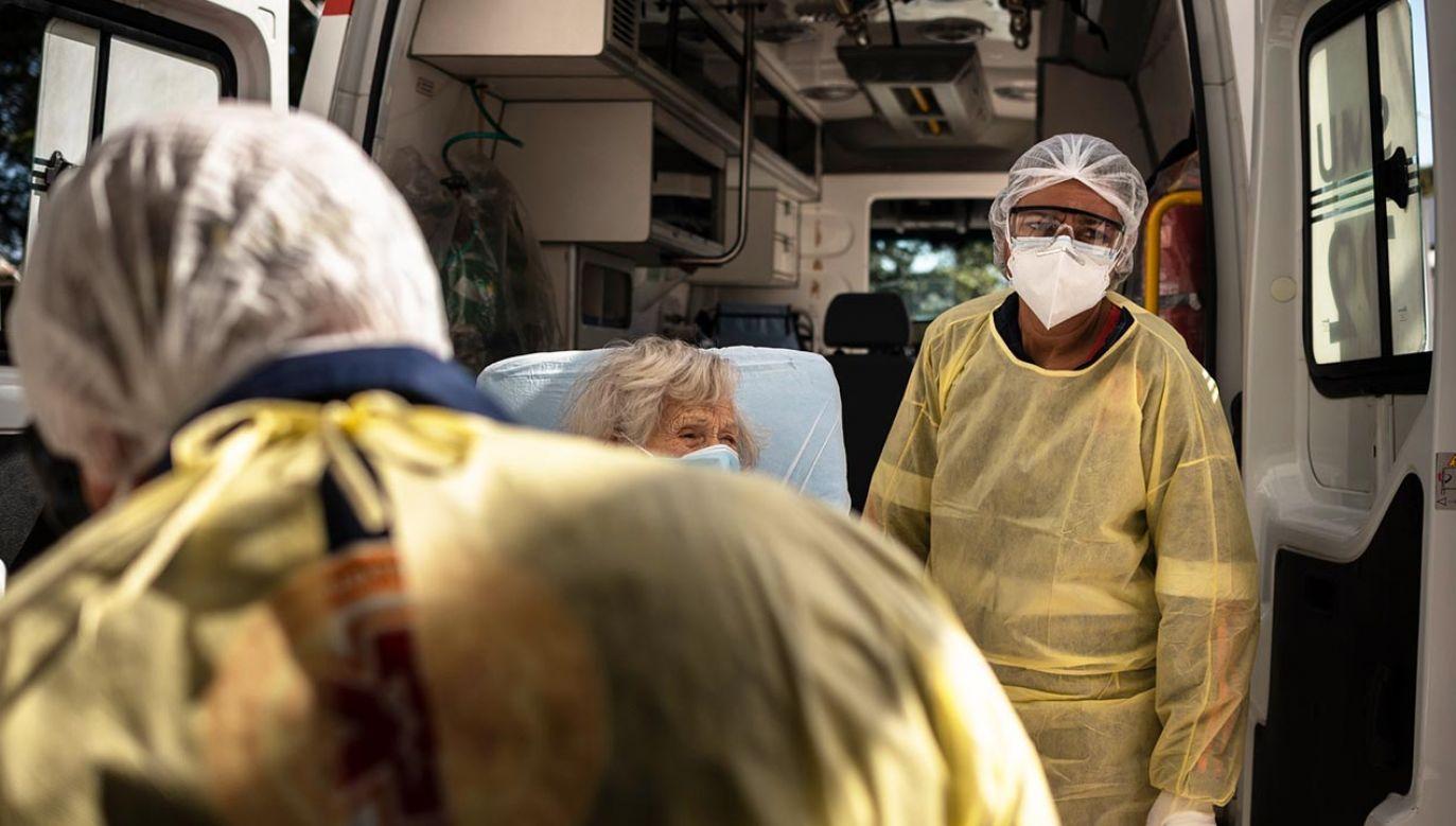 """""""Zbyt wiele krajów zmierza w złym kierunku i wirus pozostaje wrogiem publicznym numer jeden"""" (fot. Gustavo Basso/NurPhoto via Getty Images)"""