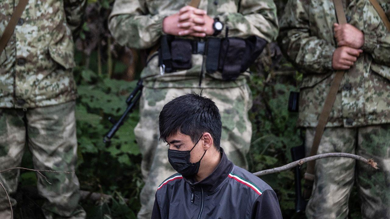 Od wiosny liczba nielegalnych migrantów gwałtownie wzrosła (fot. Maciej Moskwa/NurPhoto via Getty Images)
