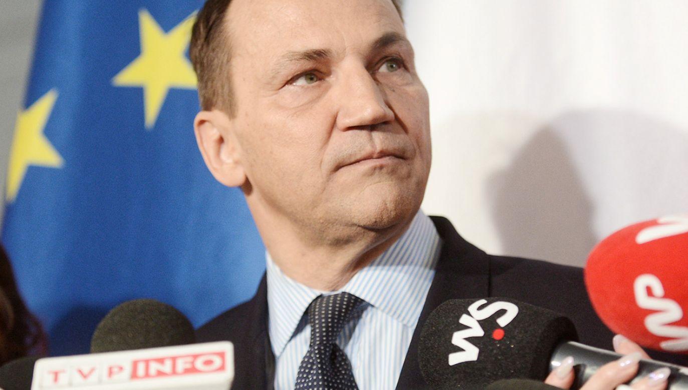 Europoseł PO Radosław Sikorski (fot. PAP/Marcin Obara)