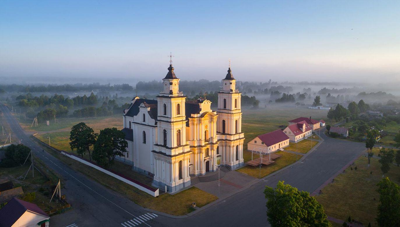 W czasie pożaru w kościele nie było parafian (fot. Shutterstock/Viktar Malyshchyts)