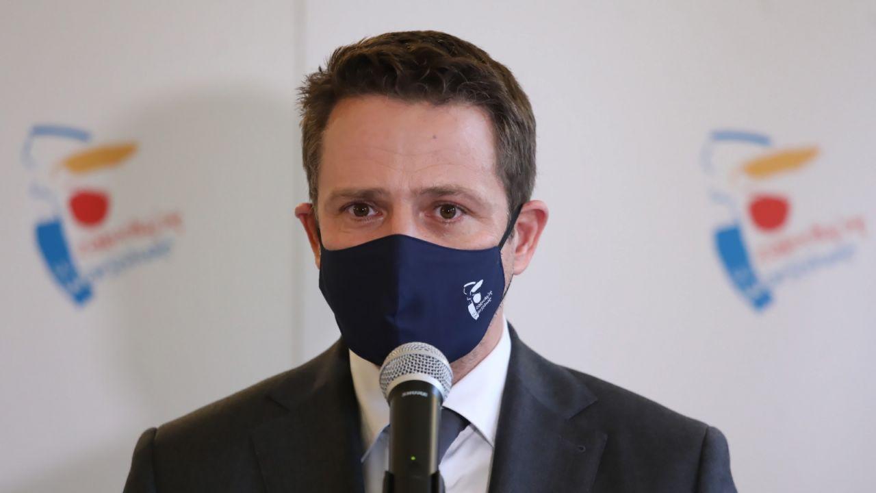 Władze stolicy decyzję tłumaczą epidemią koronawirusa (fot. PAP/Tomasz Gzell)