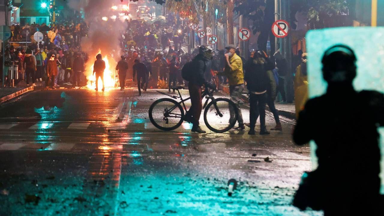 Protesty w Kolumbii trwają od końca kwietnia (fot. PAP/EPA/Mauricio Duenas Castaneda)