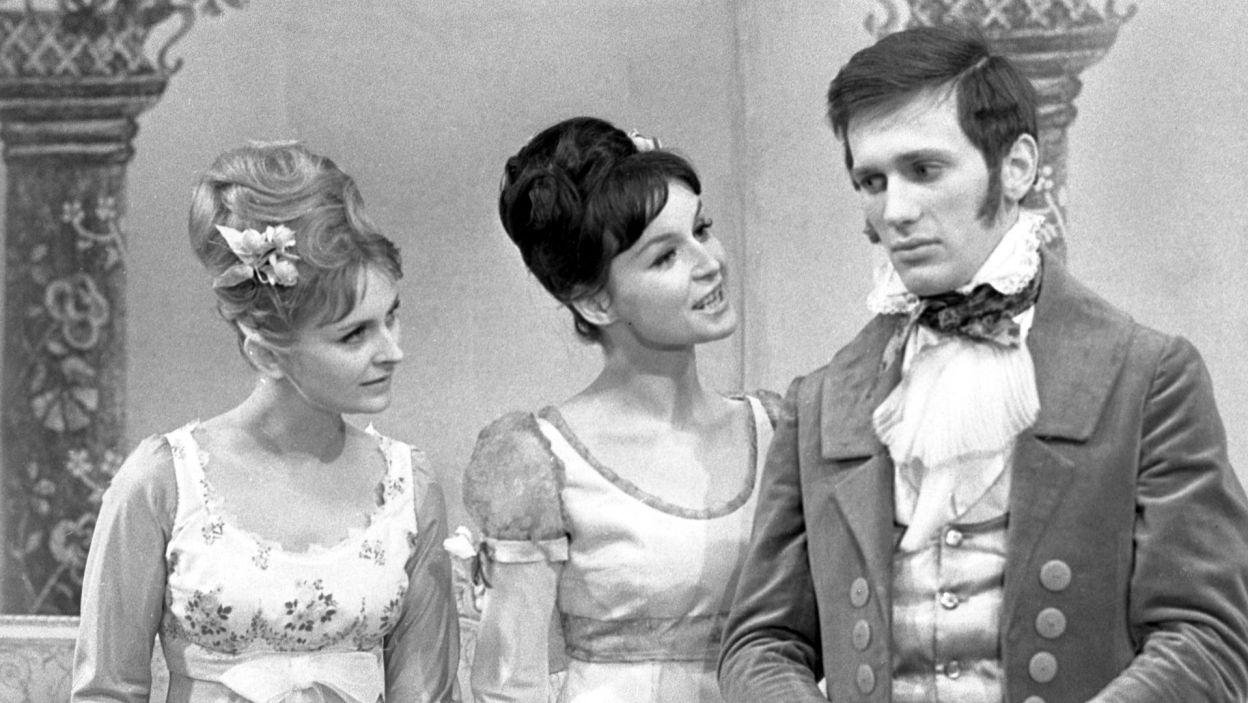 """Jan Englert zadebiutował w Teatrze Telewizji w połowie lat 60.; jedną z pierwszych ról był Albin w """"Ślubach panieńskich"""" Fredry w reż. Ireneusza Kanickiego (fot. TVP)"""