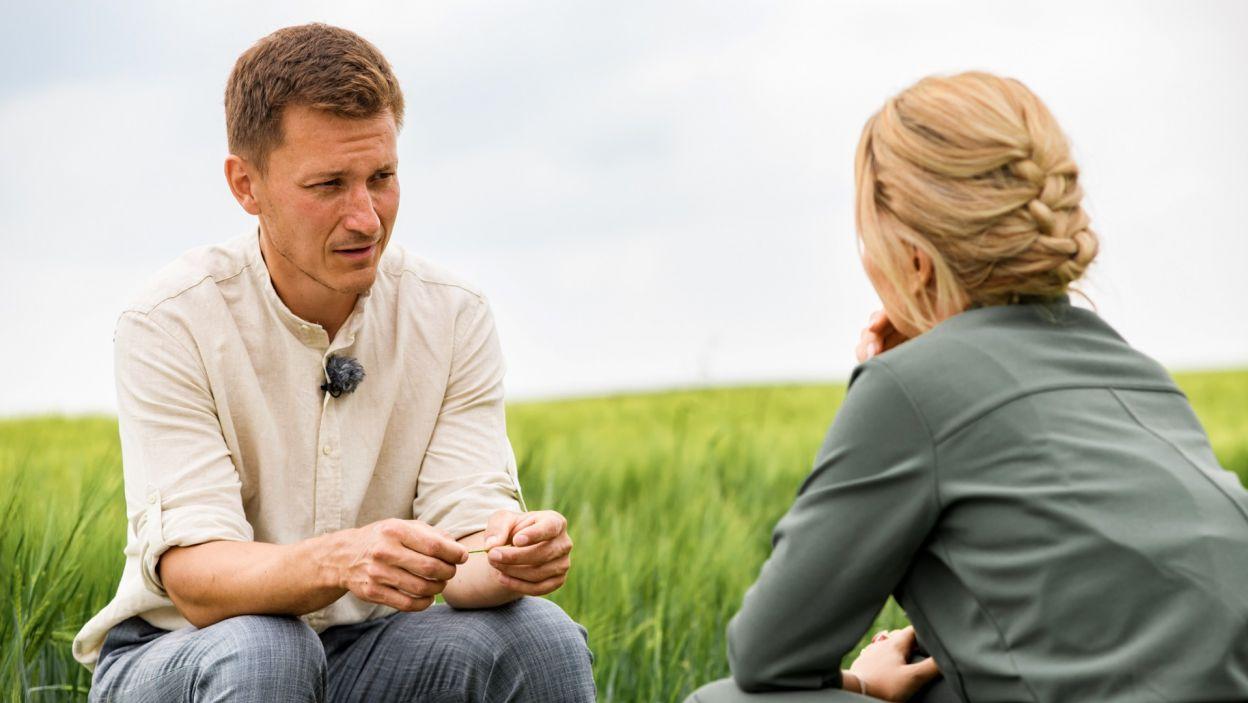 Monika jako pierwsza wpadła mu w oko, jednak jej stanowczość mogłaby być problemem w związku (fot. TVP)