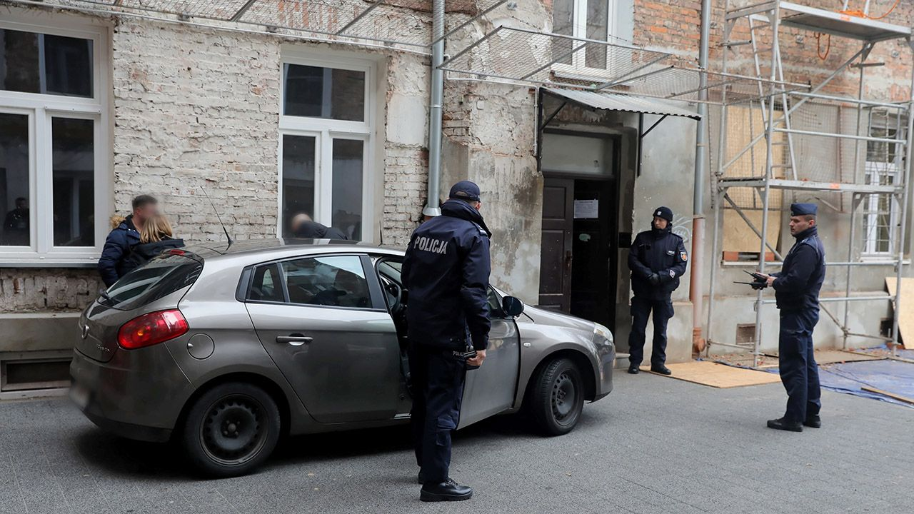 Według lokalnych mediów sprawca miał grozić śmiercią również innym osobom (fot. PAP/Tomasz Gzell)