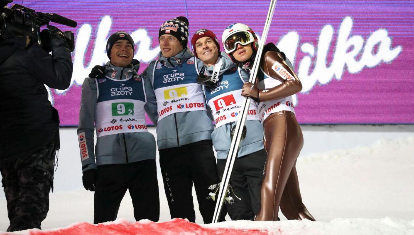 Piotr Żyła, Jakub Wolny, Kamil Stoch i Dawid Kubacki wygrali drużynowy konkurs Pucharu Świata na obiekcie w Klingenthal (fot. PAP)
