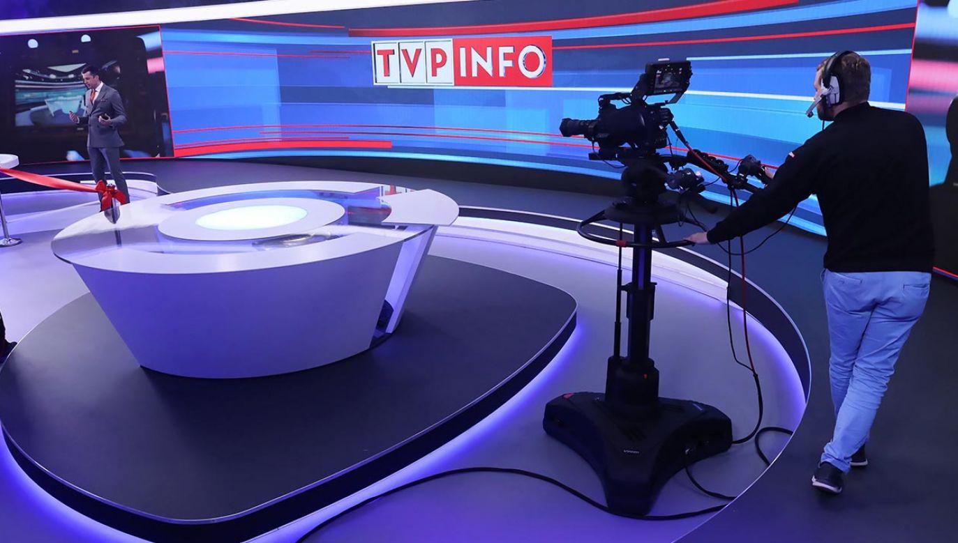 TVP Info zapewnia widzom stały dostęp do informacji z Polski i ze świata (fot. PAP/Tomasz Gzell)