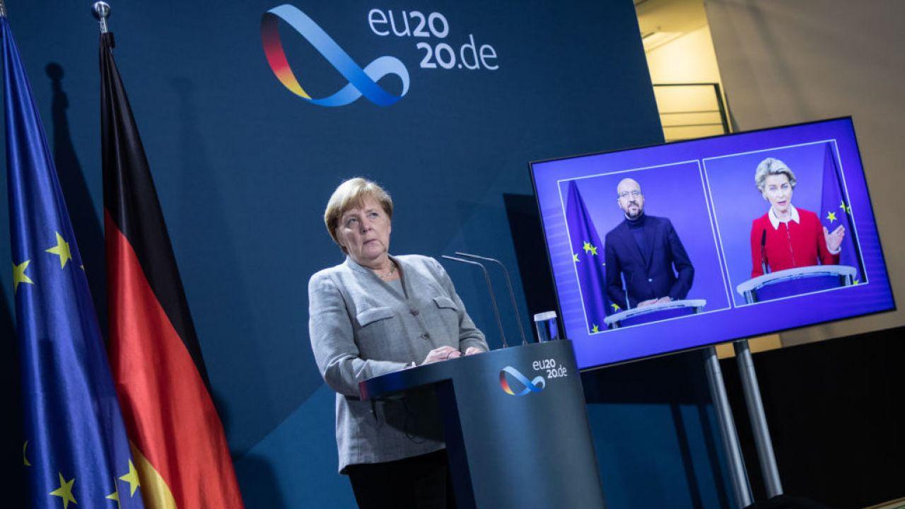 Tak zwany mechanizm praworządności forsują głównie Niemcy, sprawujący półroczną prezydencję w Unii Europejskiej (fot. Andreas Gora – Pool/Getty Images)