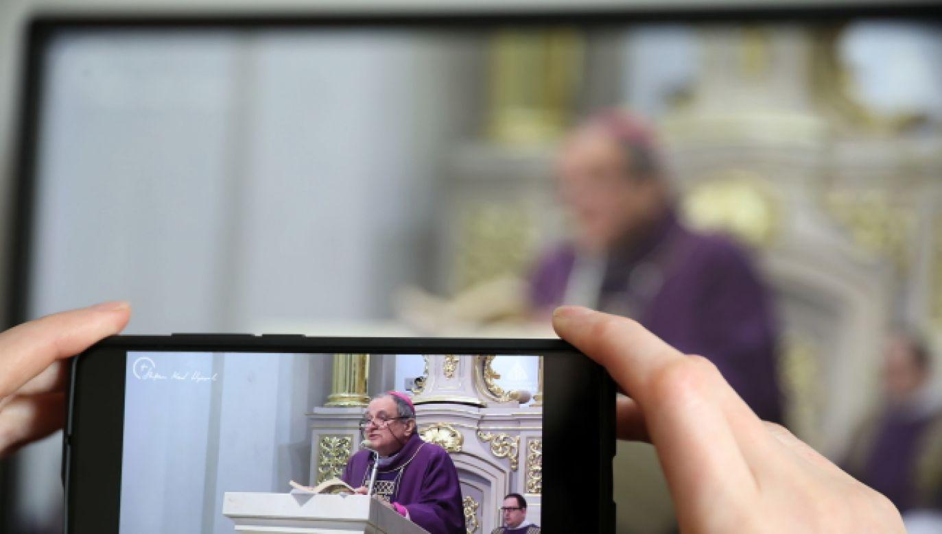 Rekolekcje online będą trwały do 7 kwietnia (fot. PAP/Leszek Szymański)