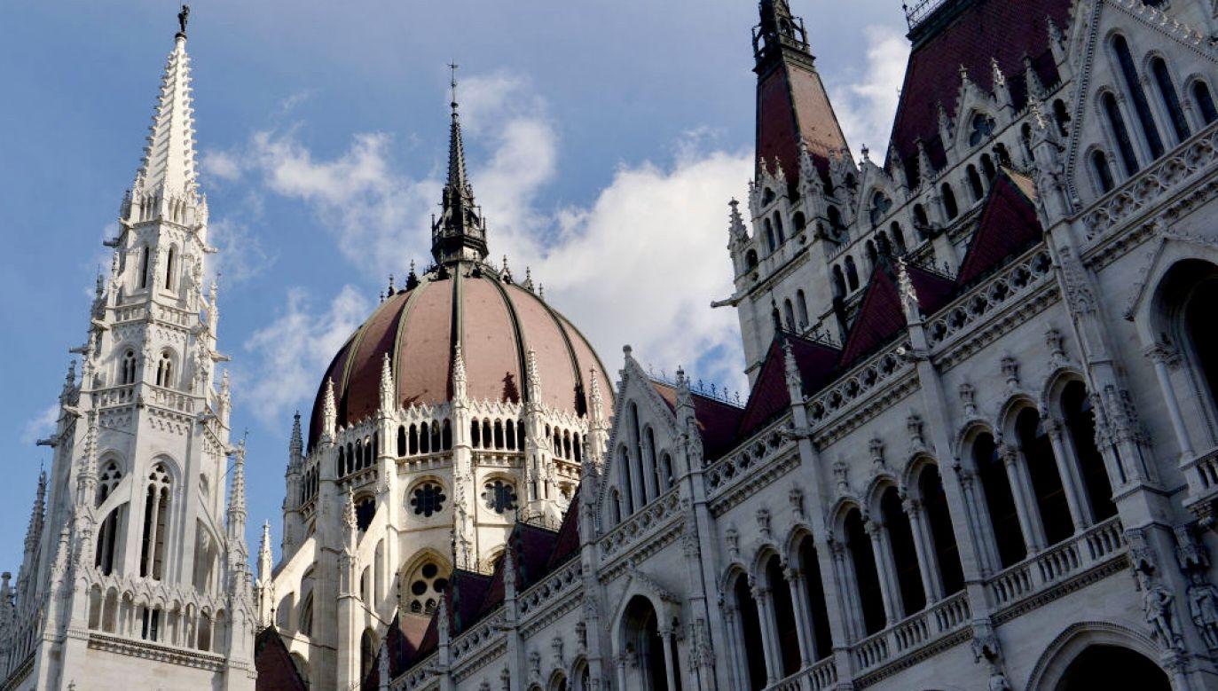 Parlament Węgier przyjął nową ustawę (fot.  Paul Lakatos/SOPA Images/LightRocket via Getty Images)