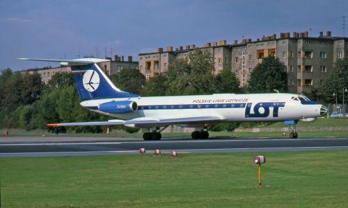 Rejs 165 LOT-u, obsługiwany przez Tupolewa Tu-134A. Samolot został porwany w czasie lotu z Gdańska do Berlina-Schonefeld i zmuszony do lądowania na Tempelhof w Berlinie Zachodnim. 30 sierpnia 1978 roku. Fot. Wikimedia/ Ralf Manteufel: http://www.abpic.co.uk/photo/1292585/