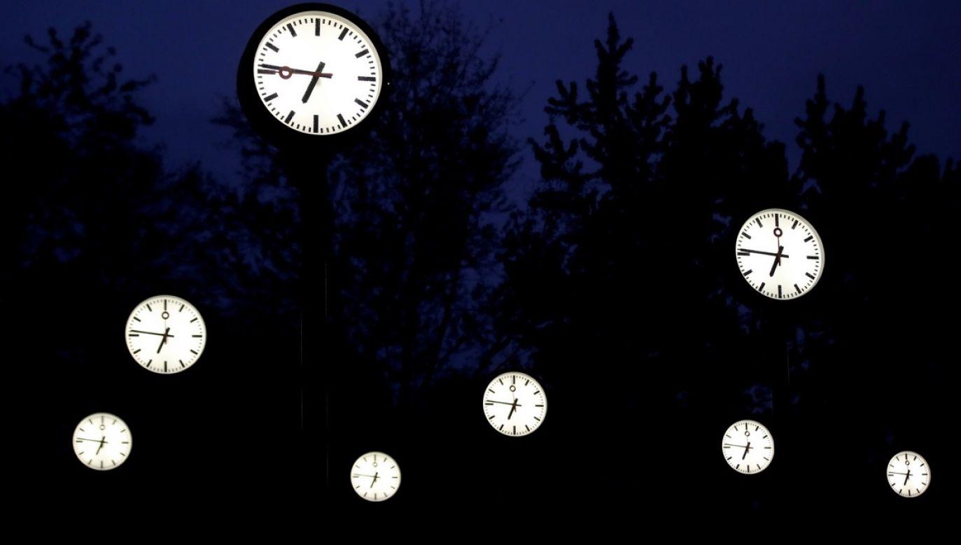 października nad ranem wskazówki zegarów cofniemy z godz. 3.00 na godz. 2.00 (fot. PAP/EPA/FRIEDEMANN VOGEL)