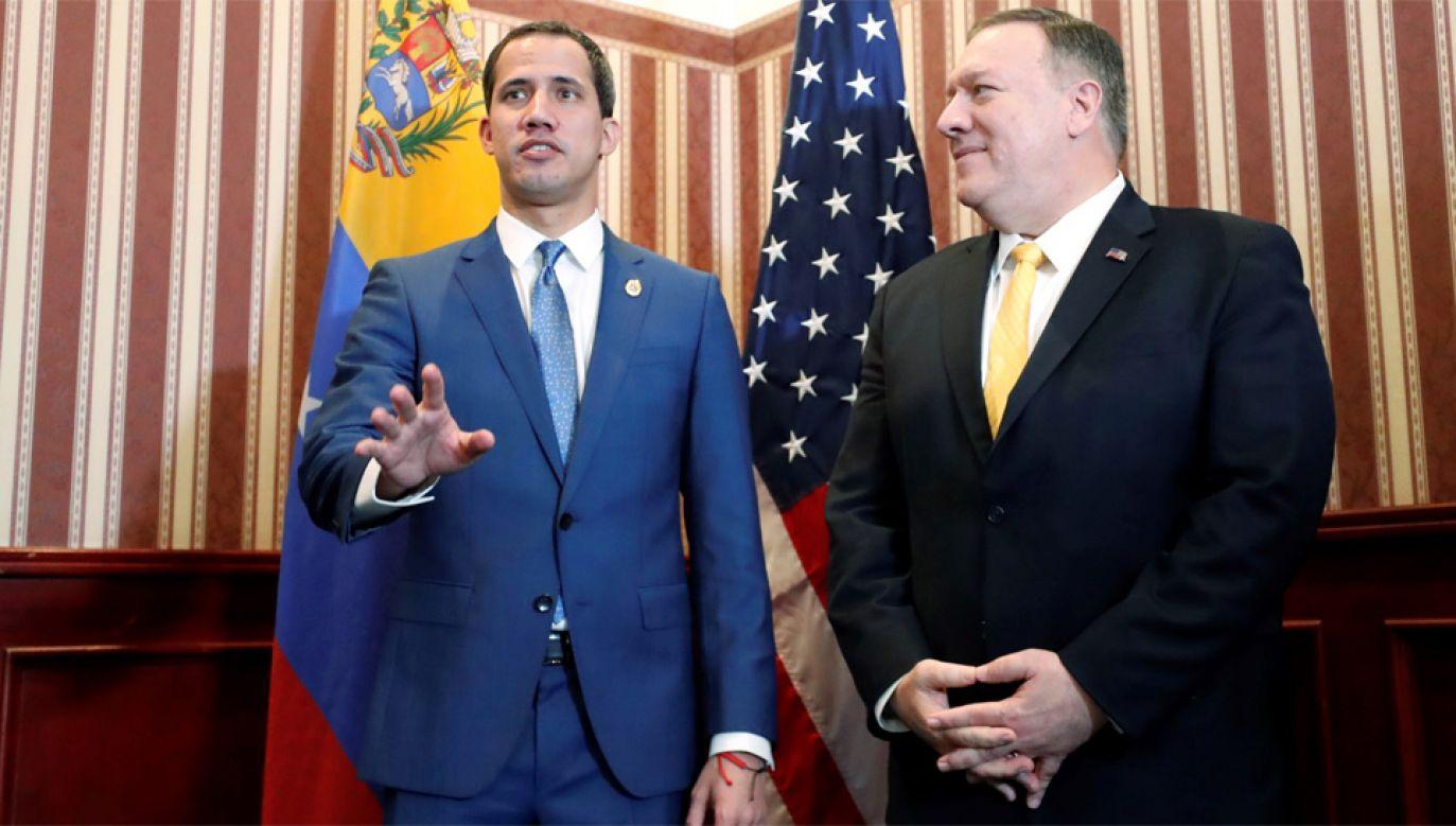 Sekretarz stanu USA Mike Pompeo spotkał się liderem wenezuelskiej opozycji Juanem Guaido (fot. PAP/EPA/Mauricio Dueńas)